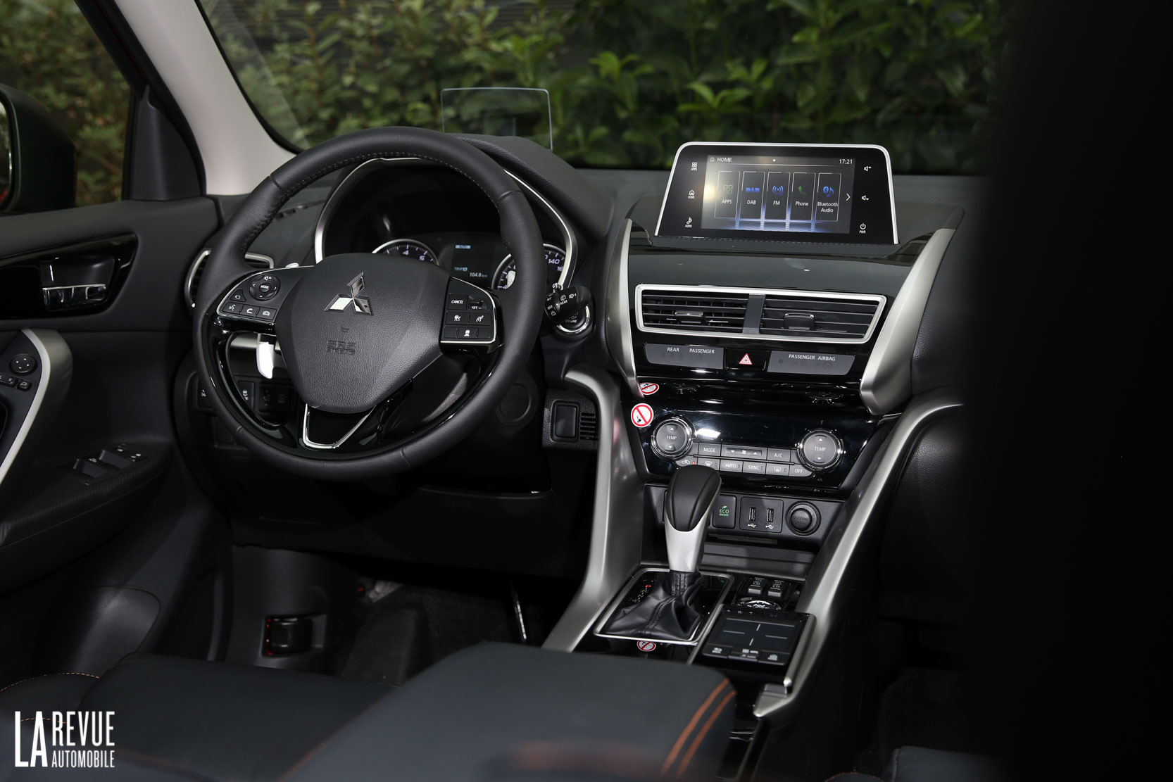 Interieur_Mitsubishi-Eclipse-Cross-1.5-CVT_49