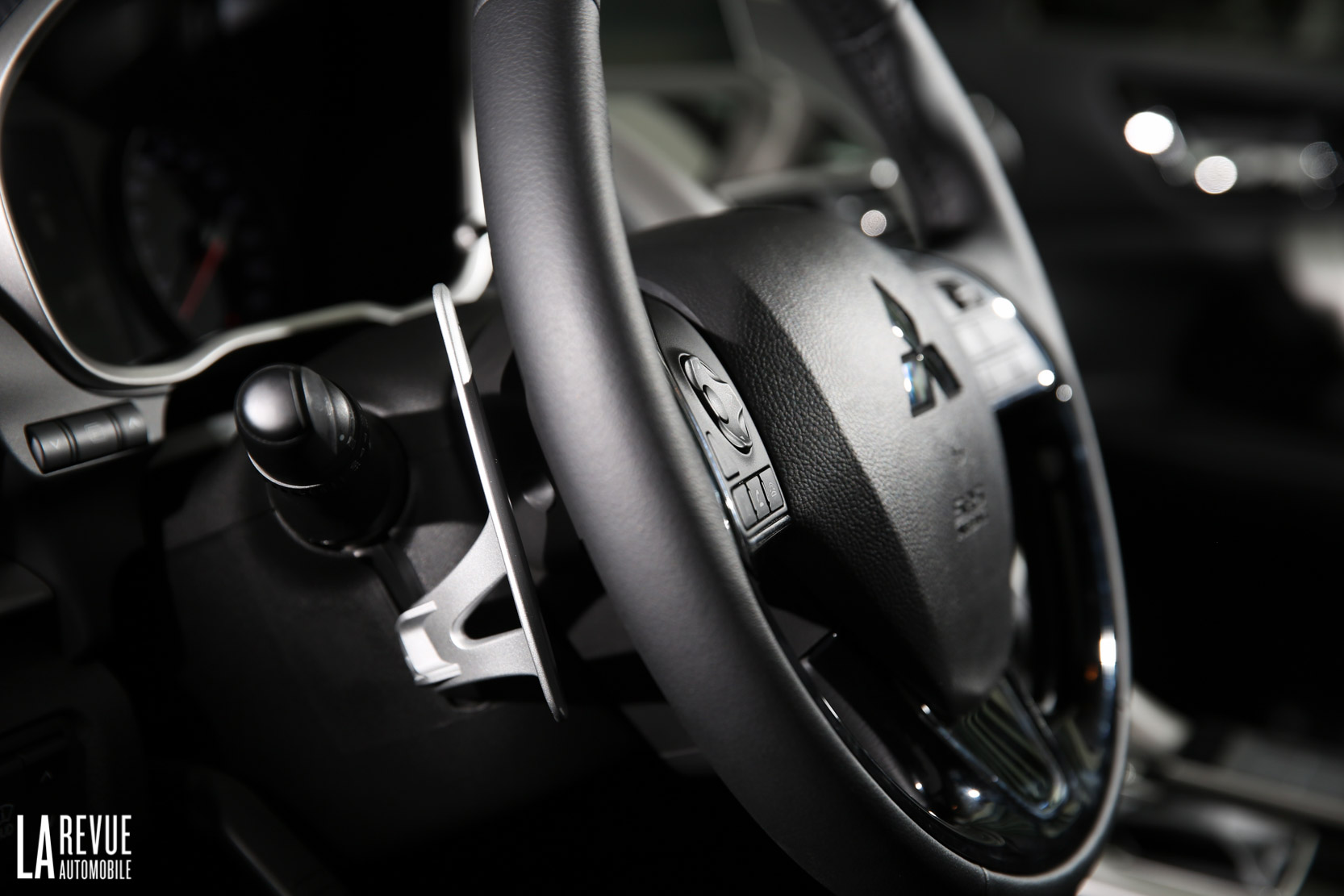 Interieur_Mitsubishi-Eclipse-Cross-1.5-CVT_51