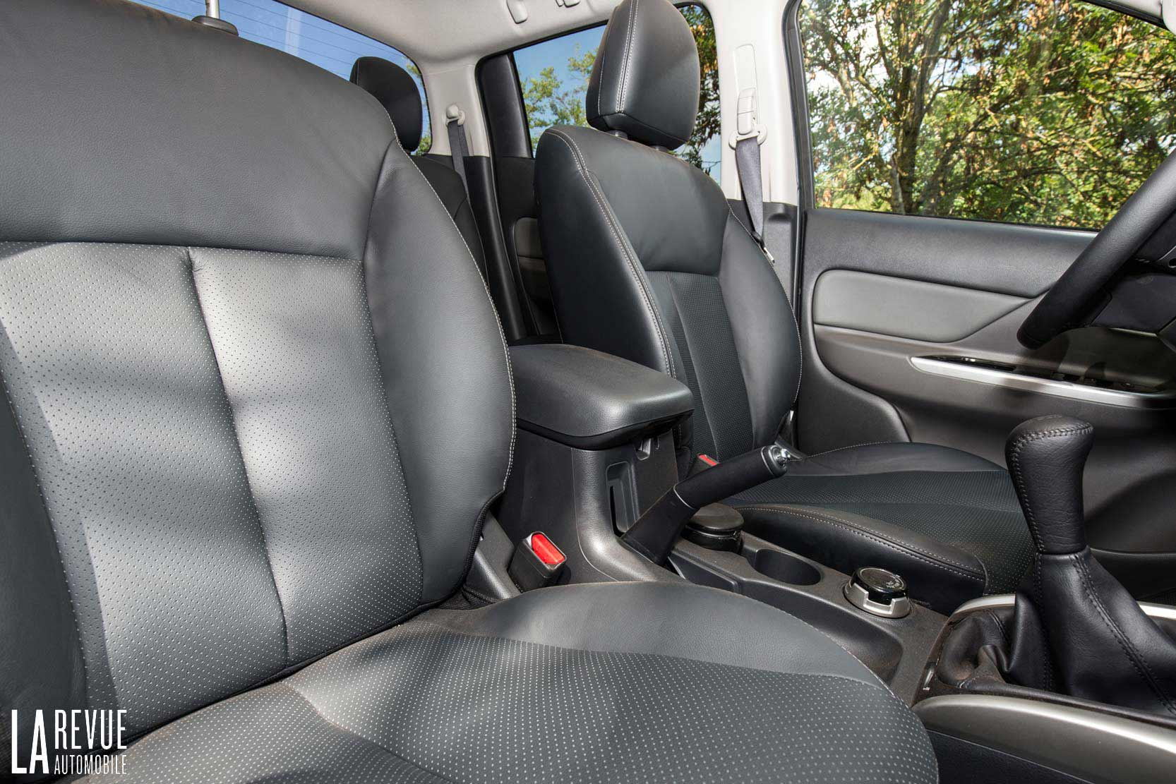 Interieur_Mitsubishi-L200-Instyle_43