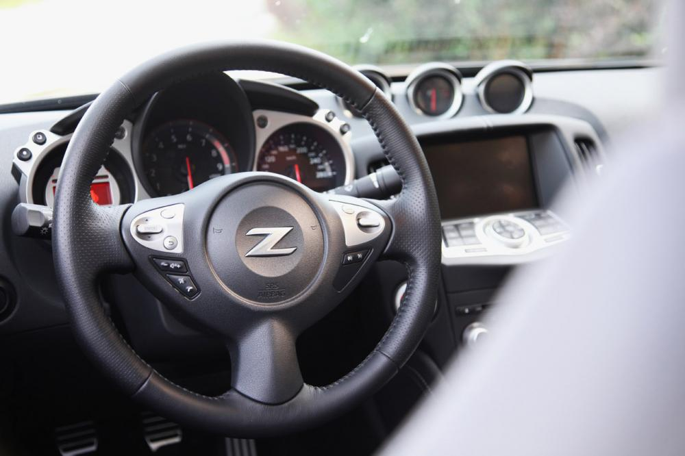 Interieur_Nissan-370Z-Roadster-Pack_24