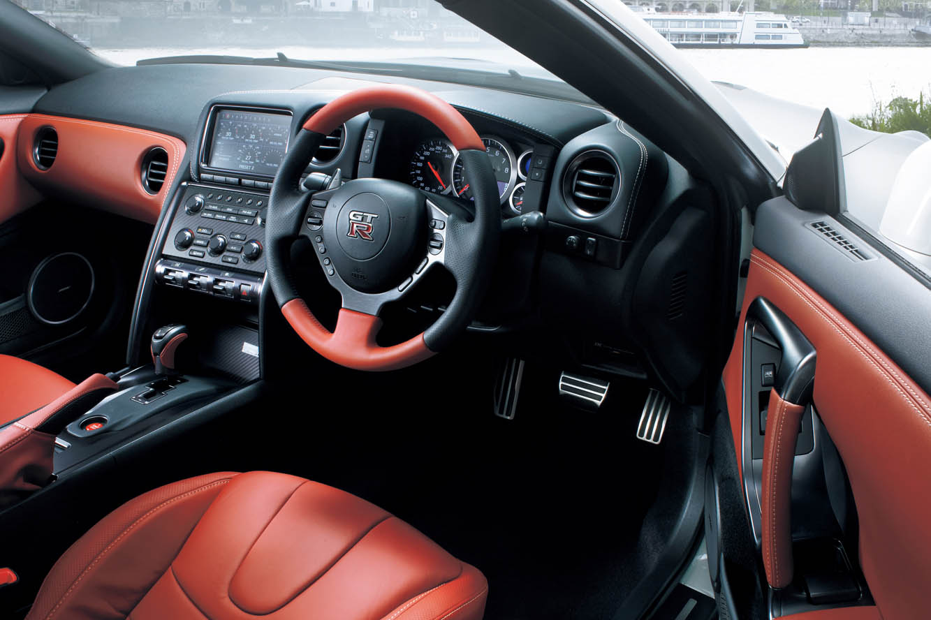 photo nissan gtr 2013 interieur exterieur ann e 2013. Black Bedroom Furniture Sets. Home Design Ideas