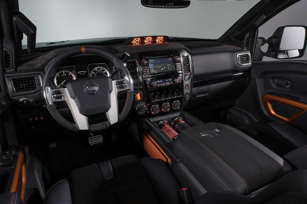 Interieur_Nissan-Titan-Warrior-Concept_26