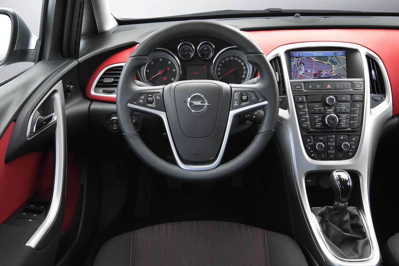 Interieur_Opel-Astra-Sports-Tourer_25