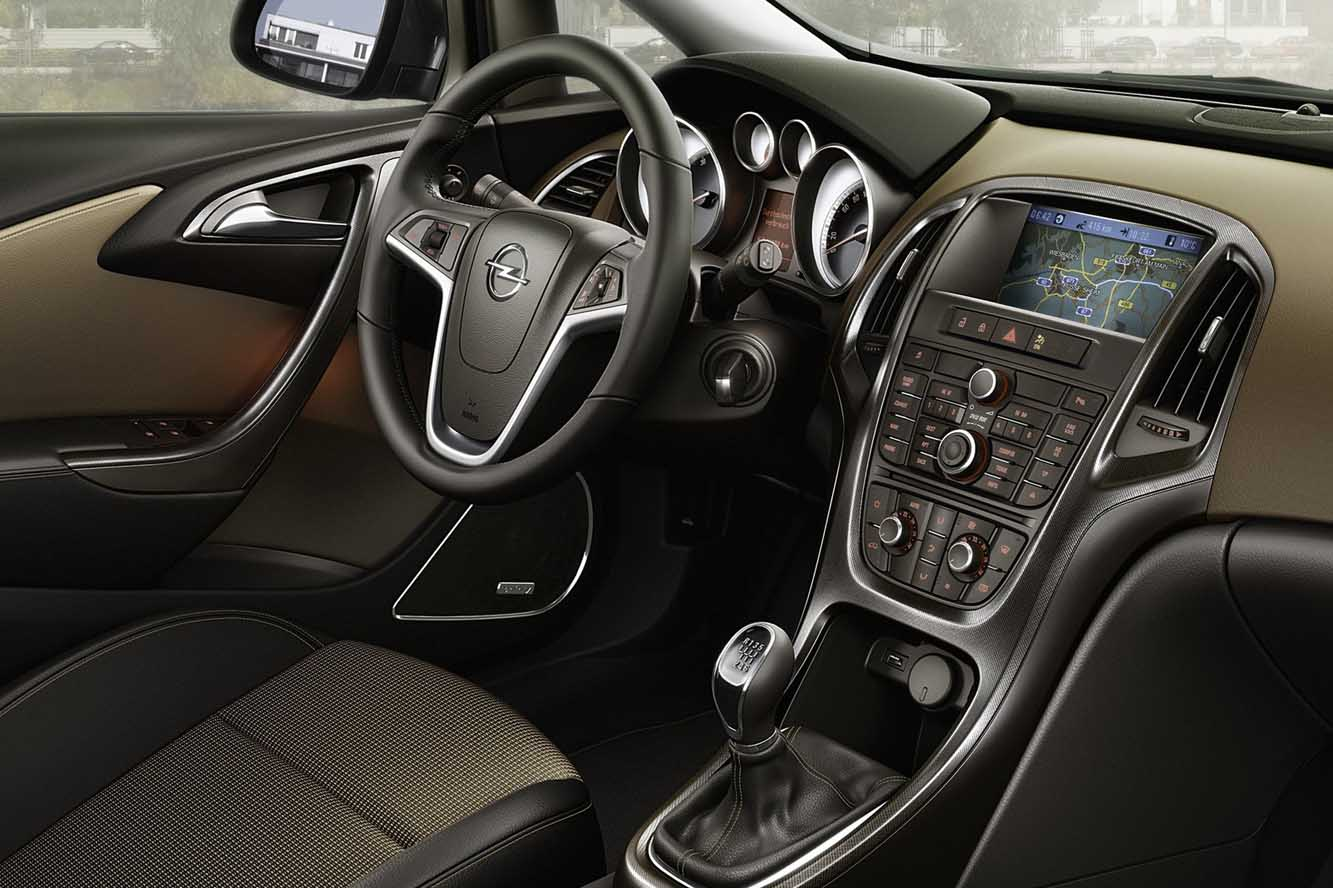 Interieur_Opel-Astra-Sports-Tourer_28