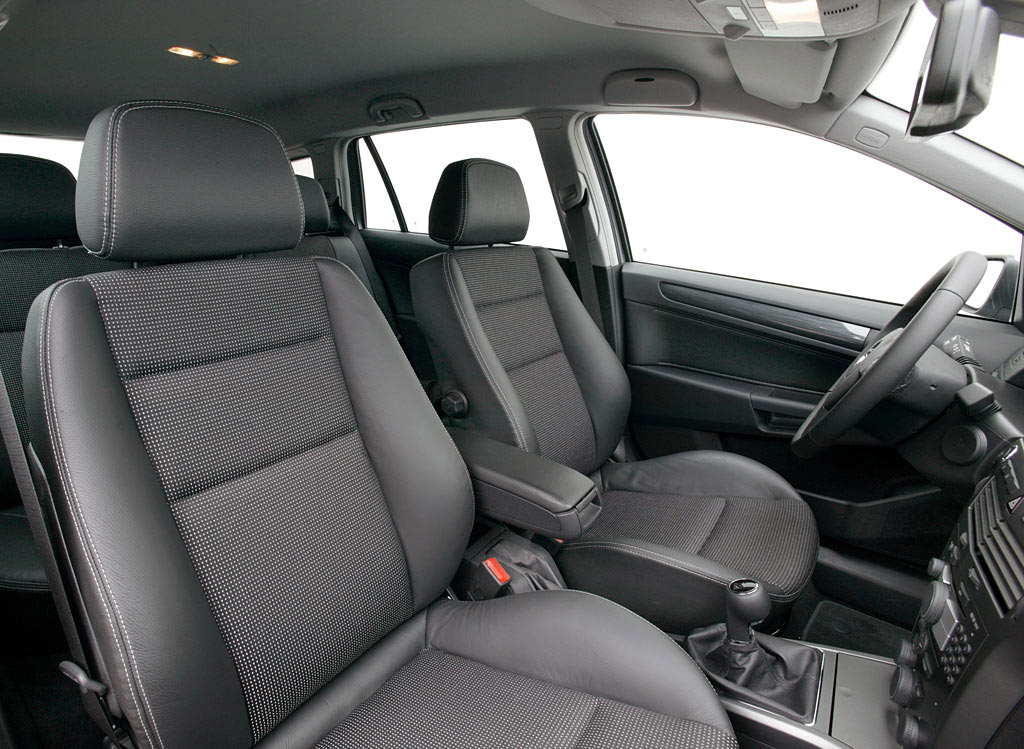 Interieur_Opel-Astra_56