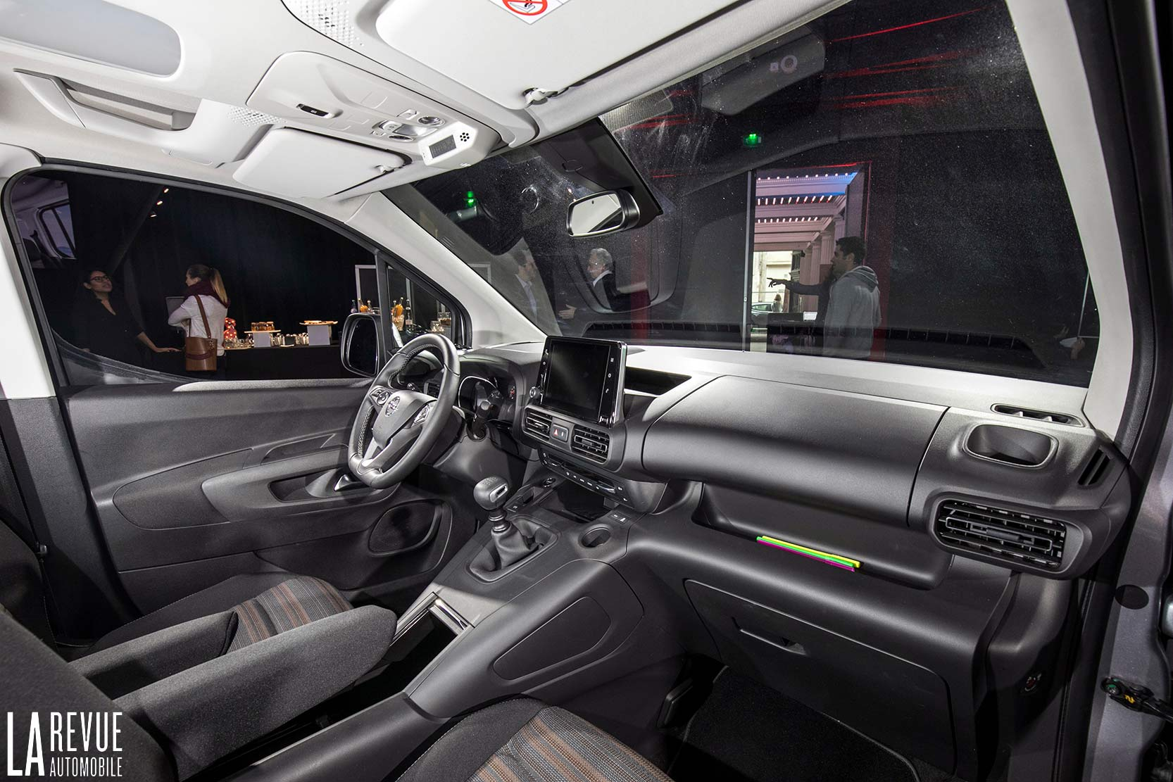 Interieur_Opel-Combo-Life-2018_15