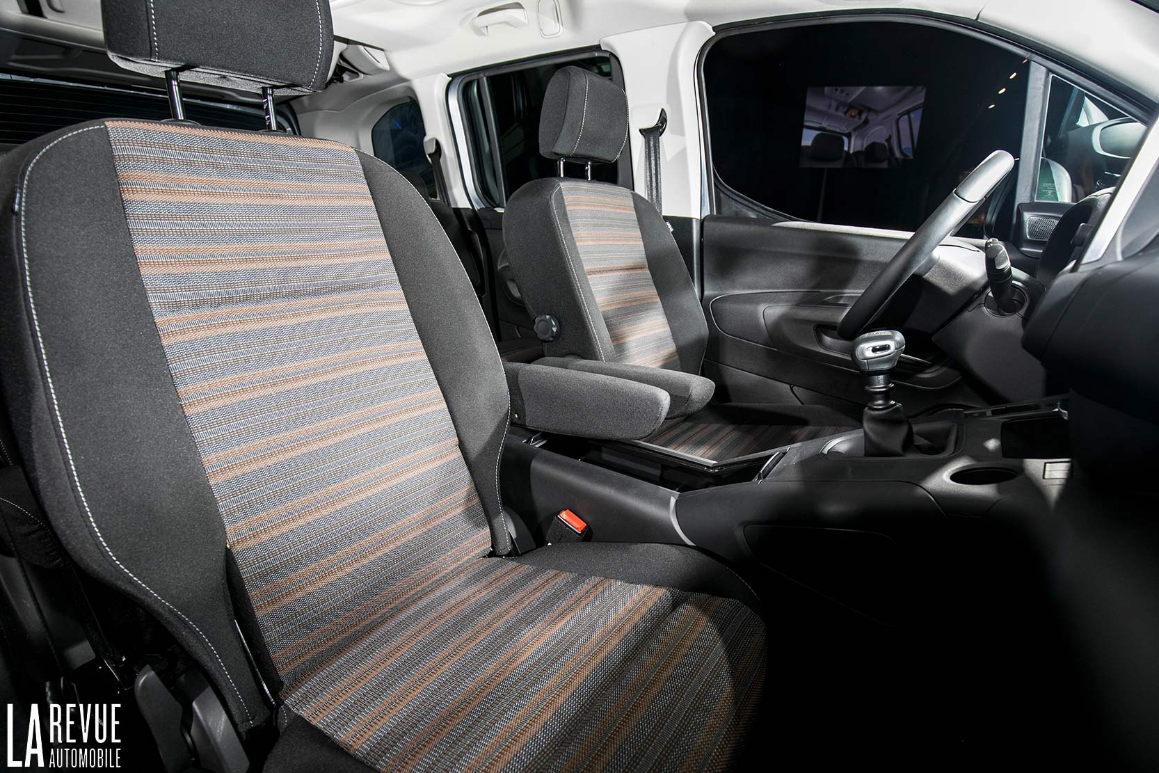 Interieur_Opel-Combo-Life-2018_11