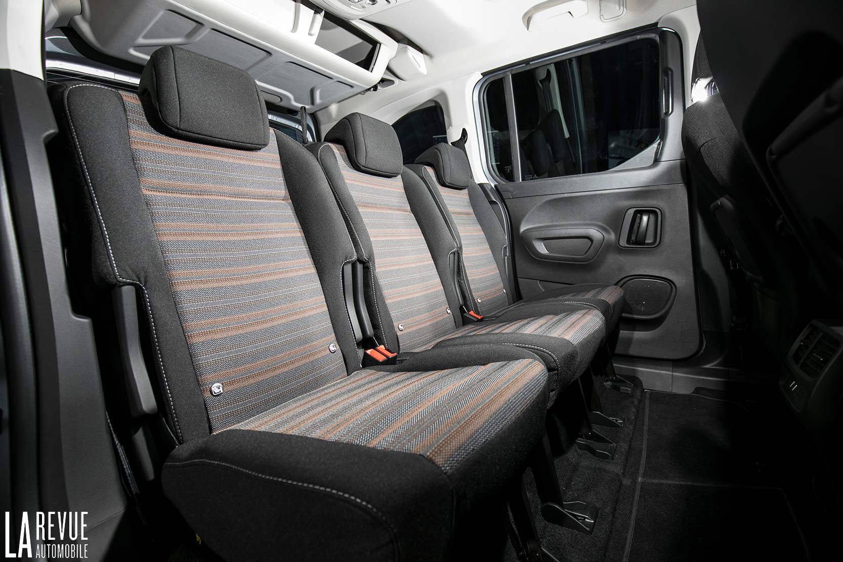 Interieur_Opel-Combo-Life-2018_17