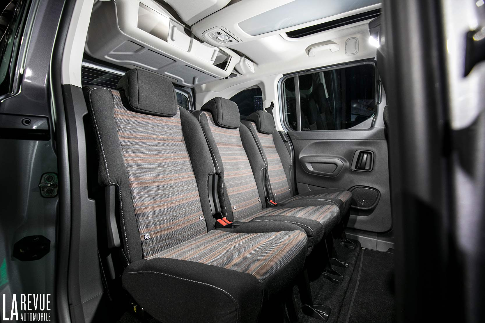 Interieur_Opel-Combo-Life-2018_14