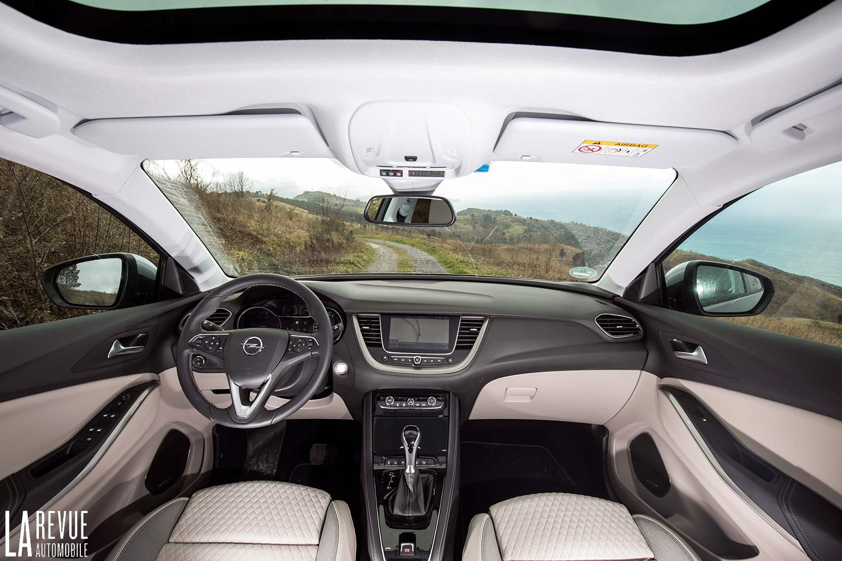 Interieur_Opel-Grandland-X-ULTIMATE-177ch-AT8_28