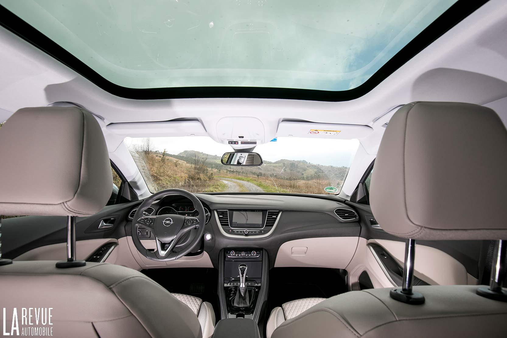 Interieur_Opel-Grandland-X-ULTIMATE-177ch-AT8_32