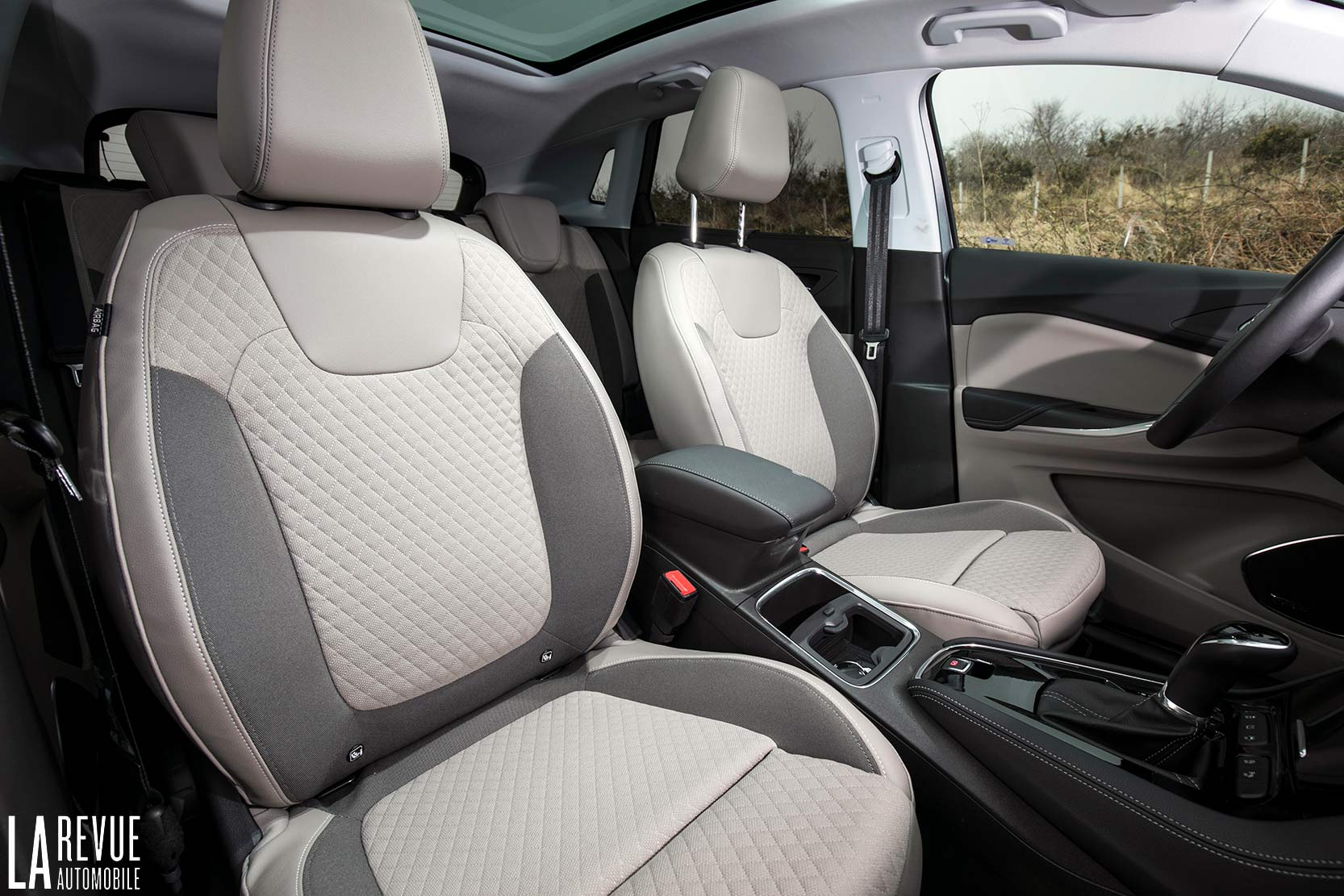 Interieur_Opel-Grandland-X-ULTIMATE-177ch-AT8_25