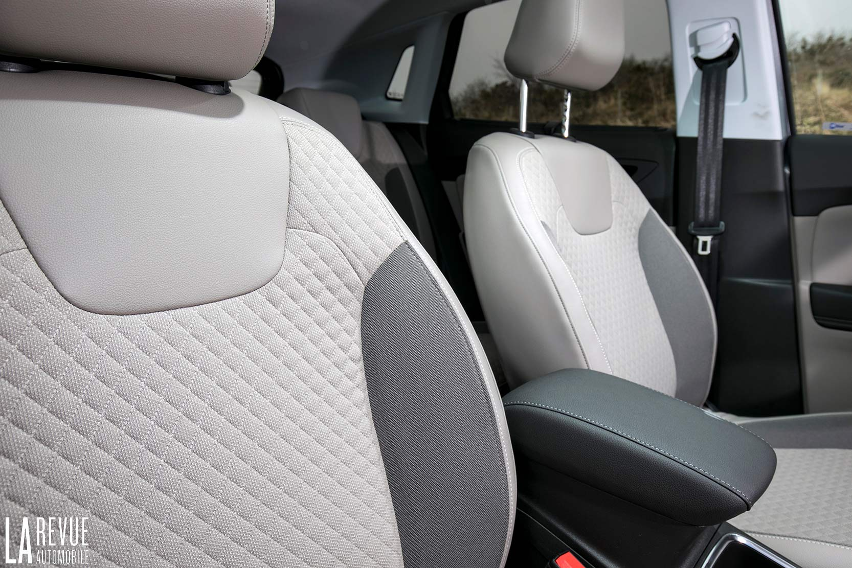 Interieur_Opel-Grandland-X-ULTIMATE-177ch-AT8_22
