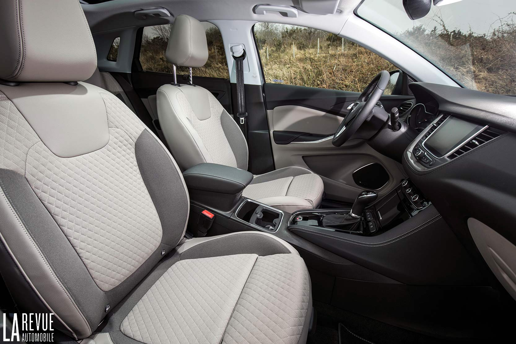 Interieur_Opel-Grandland-X-ULTIMATE-177ch-AT8_27