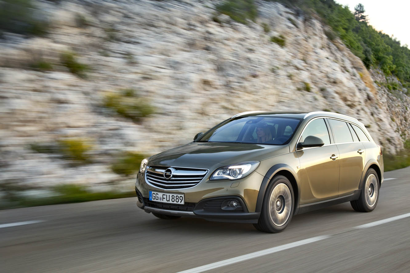Exterieur_Opel-Insignia-Country-Tourer_2