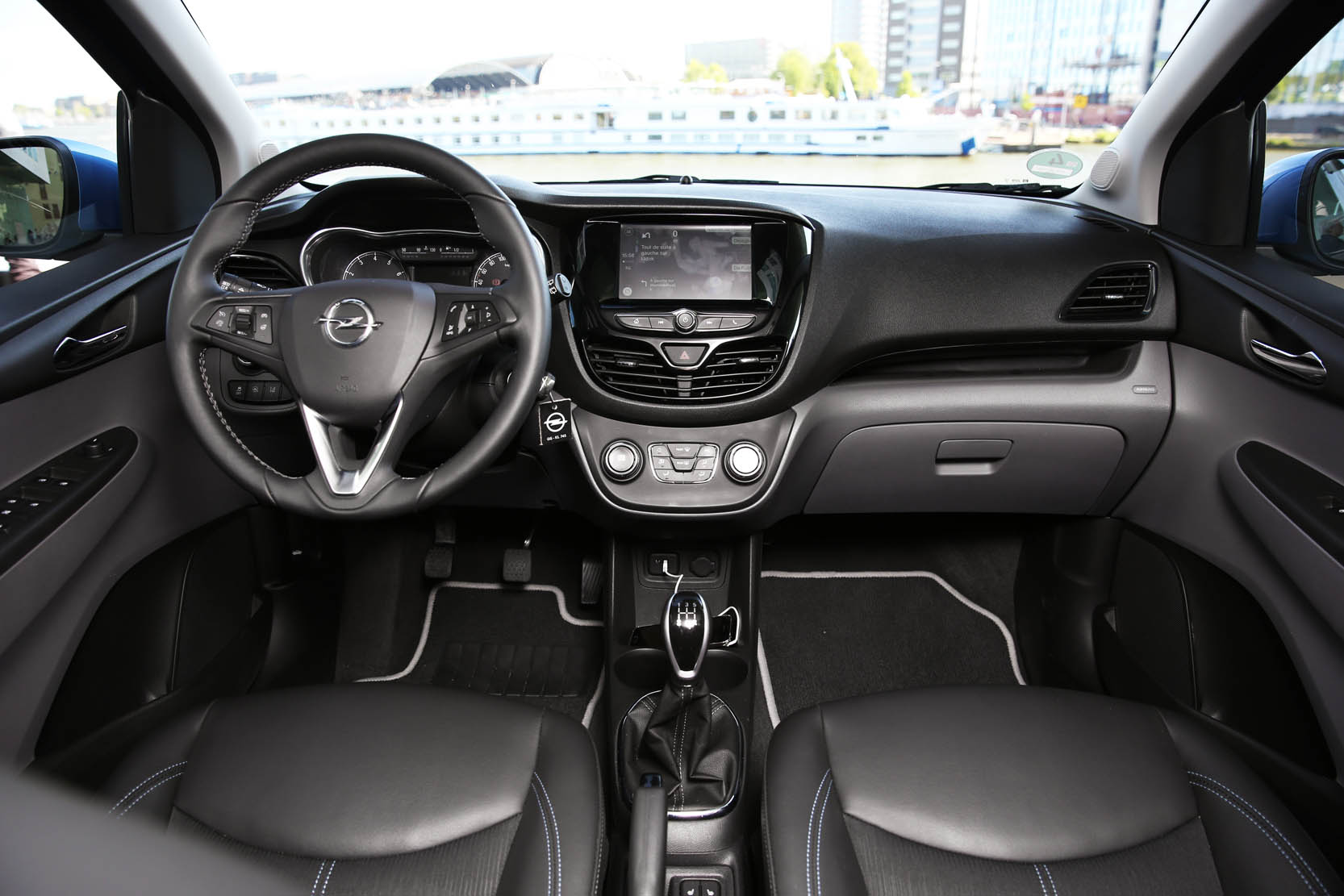 Interieur_Opel-Karl-1.0-Cosmo-Pack_35
