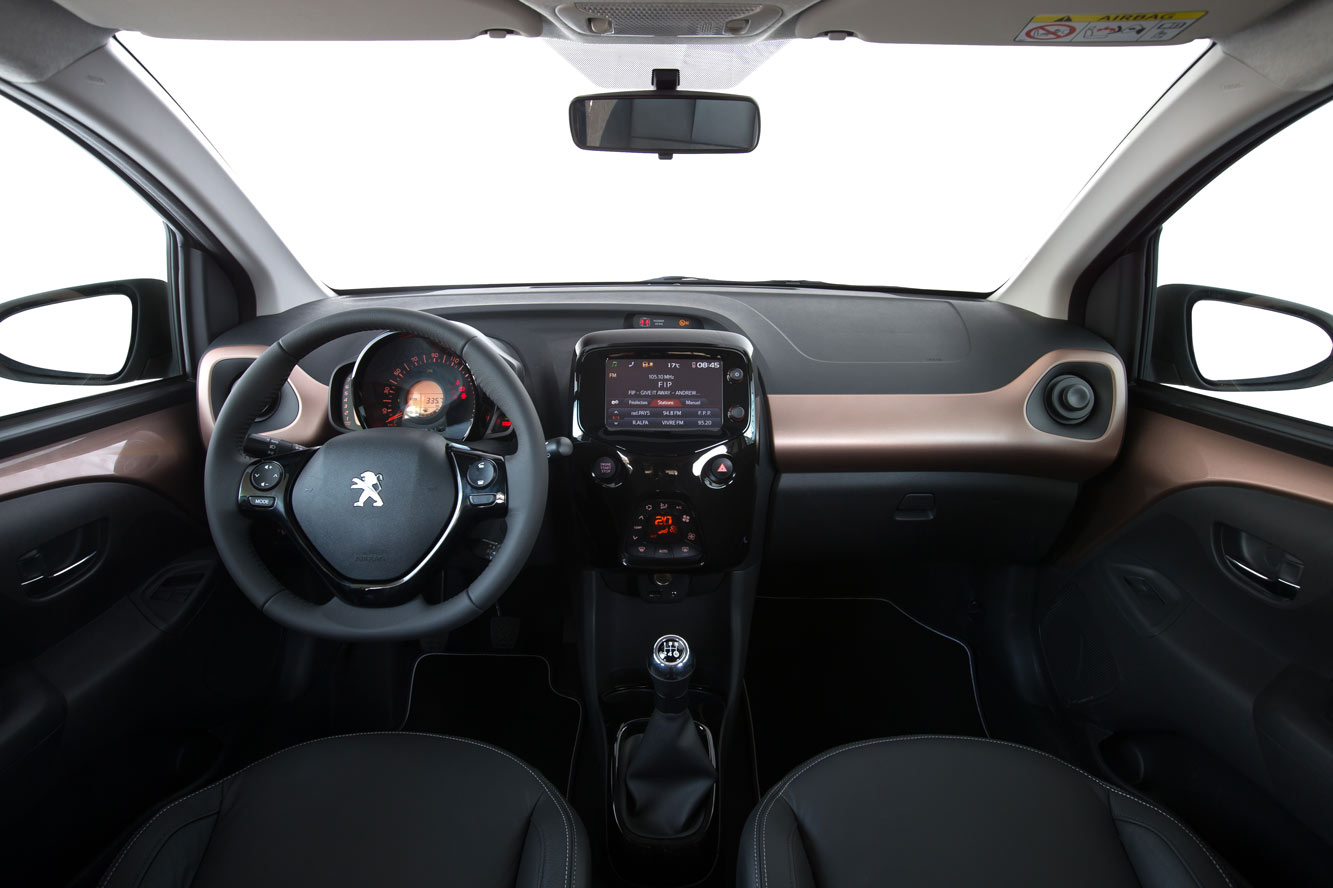 Interieur_Peugeot-108-TOP-VTi_19