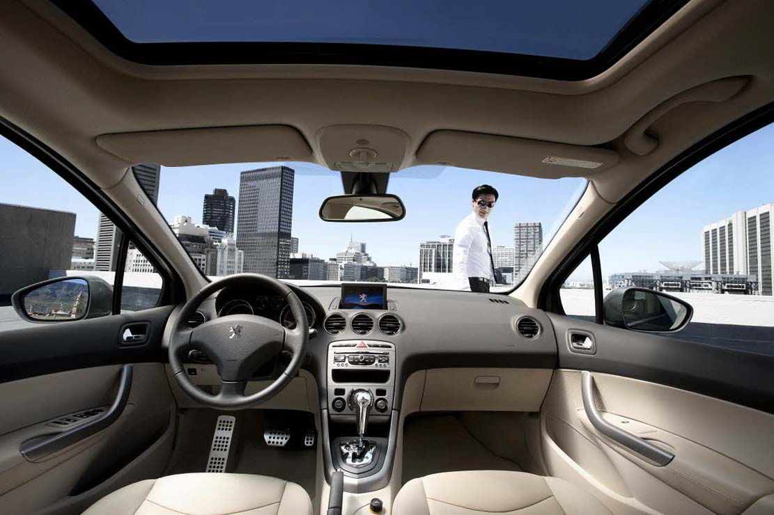 Interieur_Peugeot-408-DongFeng_14