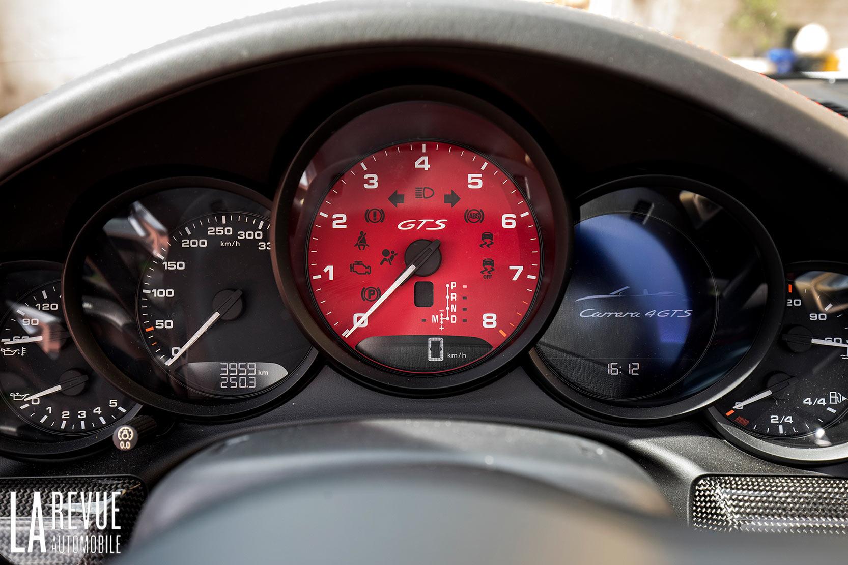 Intérieur Porsche 911 Carrera 4 GTS Cabriolet