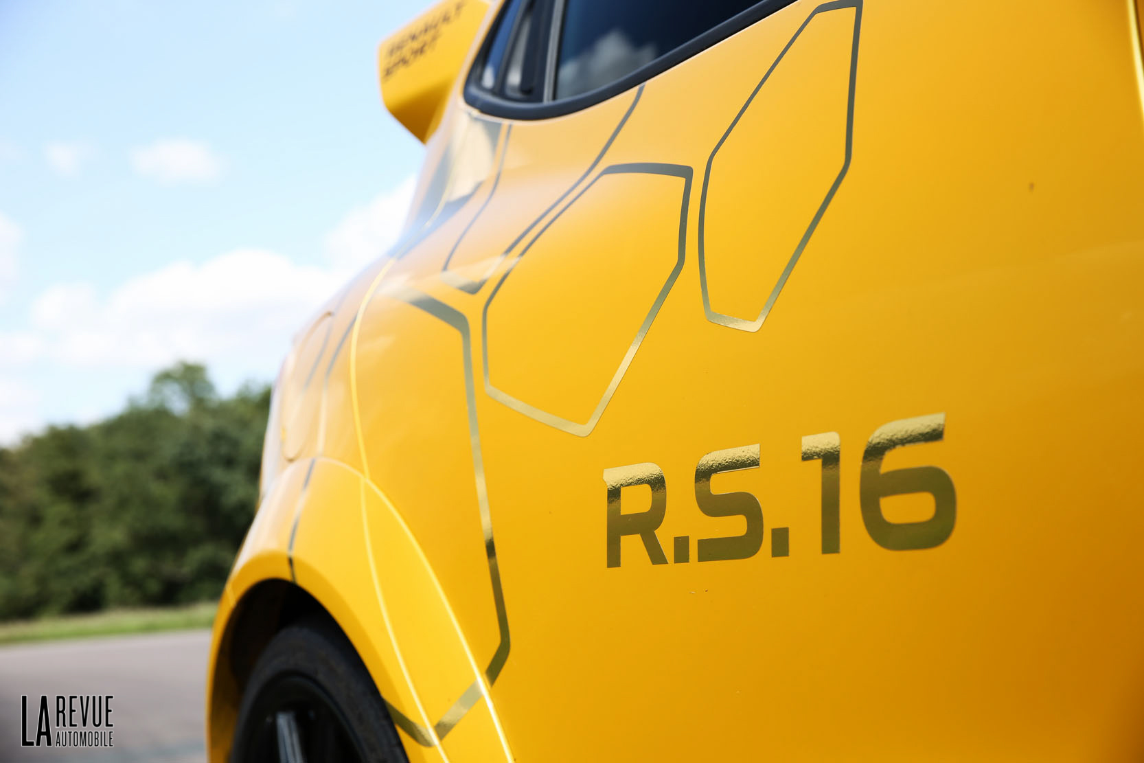 Renault Clio-RS-16-275