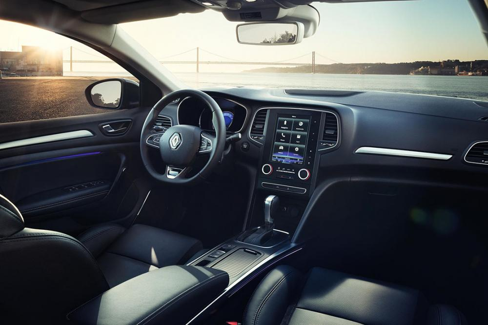 Interieur_Renault-Megane-4-Sedan_17