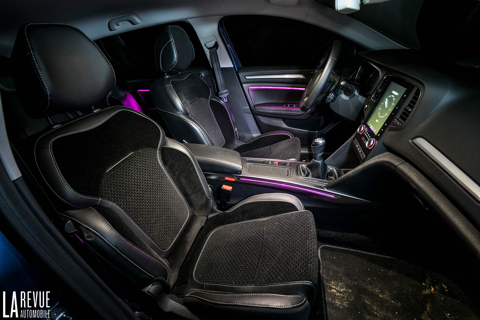 Interieur_Renault-Megane-Estate-dCi-130_28
