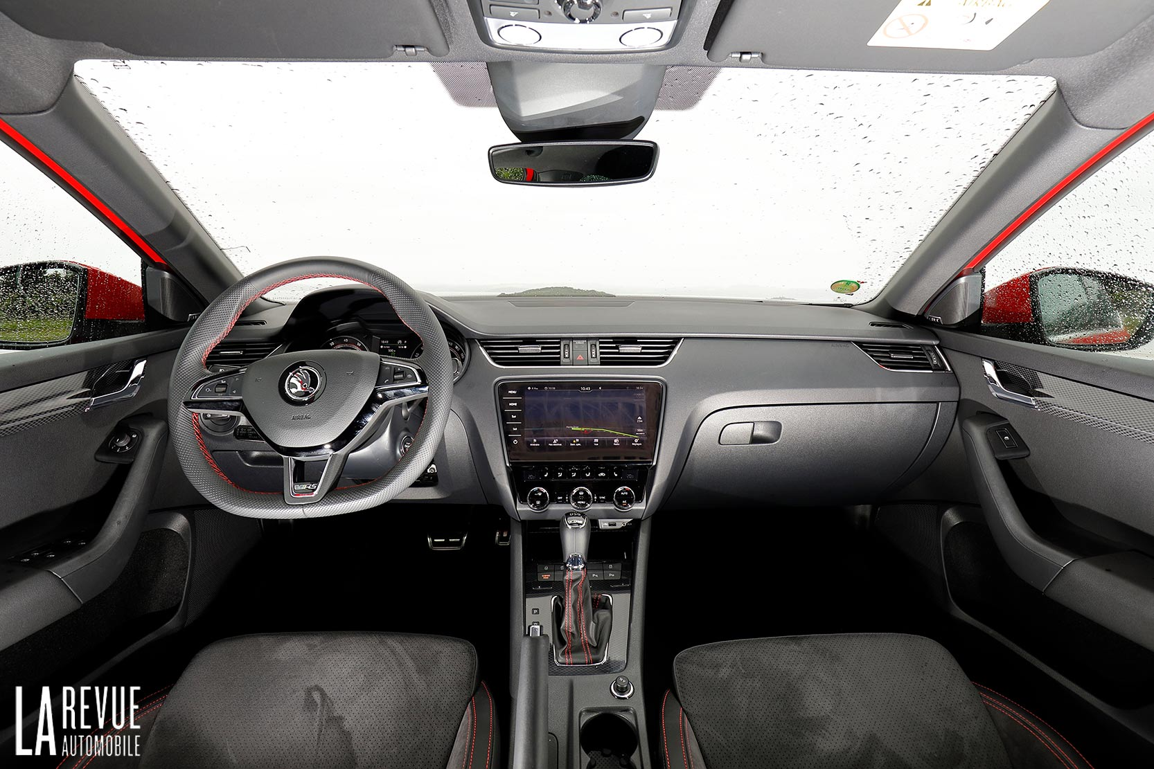 Interieur_Skoda-Otavia-RS-230_18