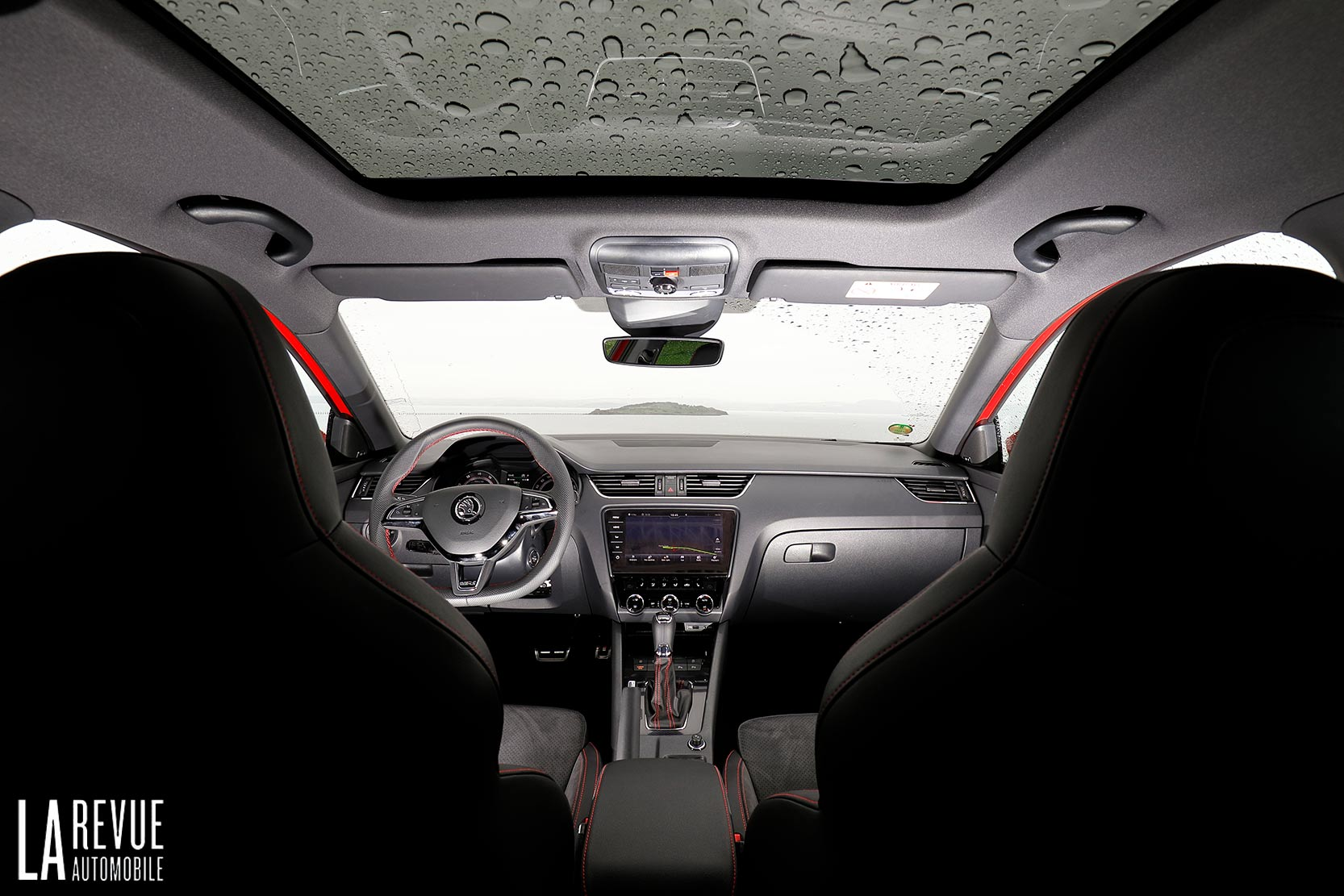Interieur_Skoda-Otavia-RS-230_20