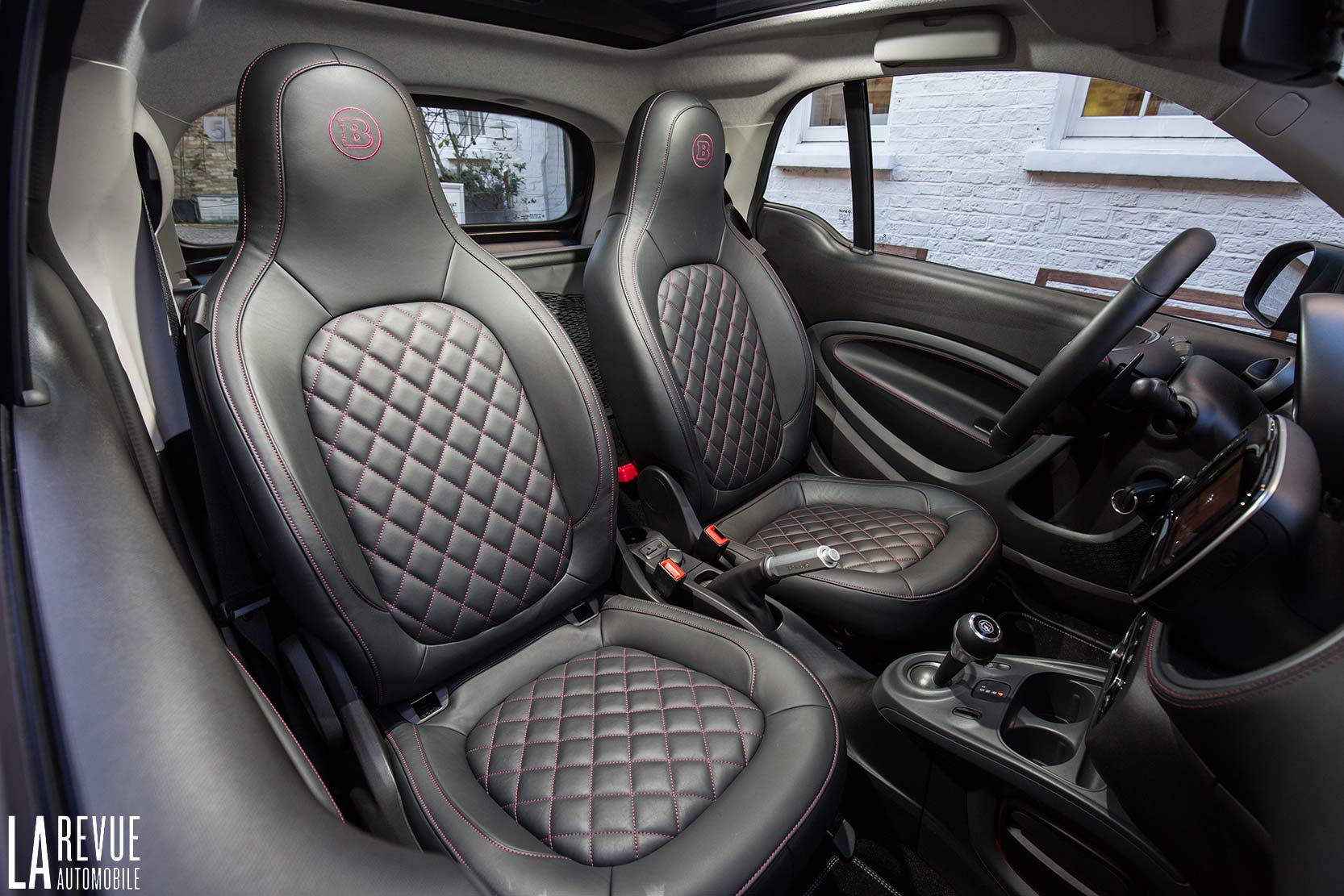 Interieur_Smart-Brabus-Tailor-Made_35