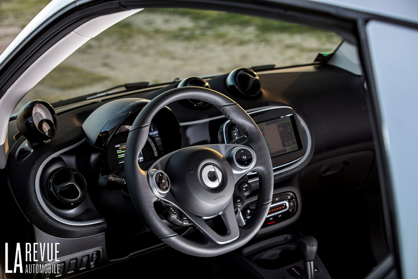 Interieur_Smart-EQ-Fortwo-2018_16