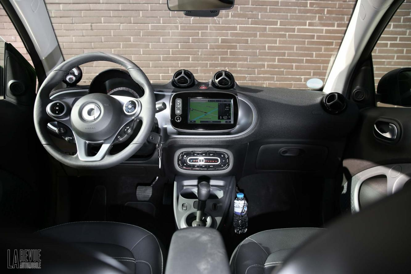 Interieur_Smart-ForTwo-Electric-Drive-2017_31