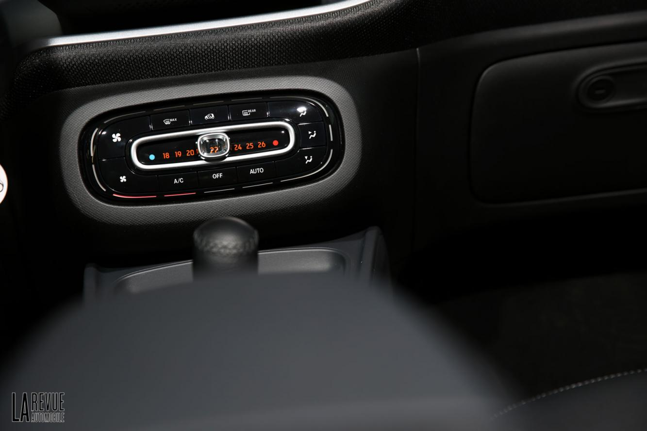 Interieur_Smart-ForTwo-Electric-Drive-2017_33