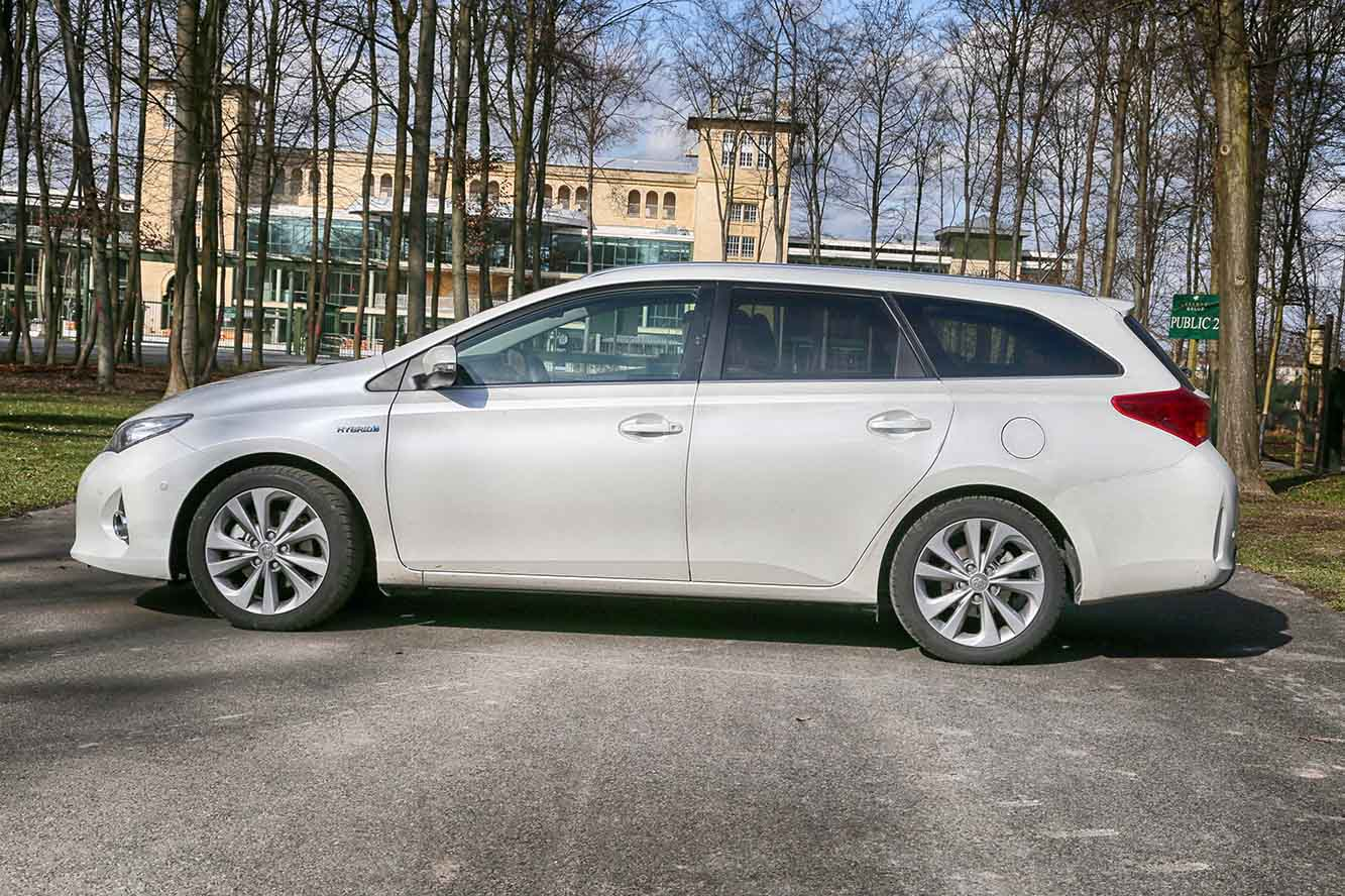 Galerie Toyota Auris-Touring-Sports-Hybride