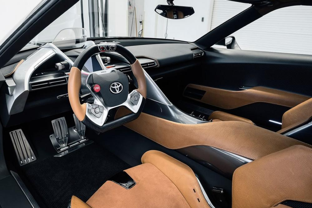 Interieur_Toyota-FT-1-Graphite_21
