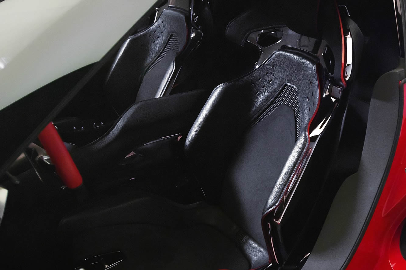 Interieur_Toyota-FT-1_26