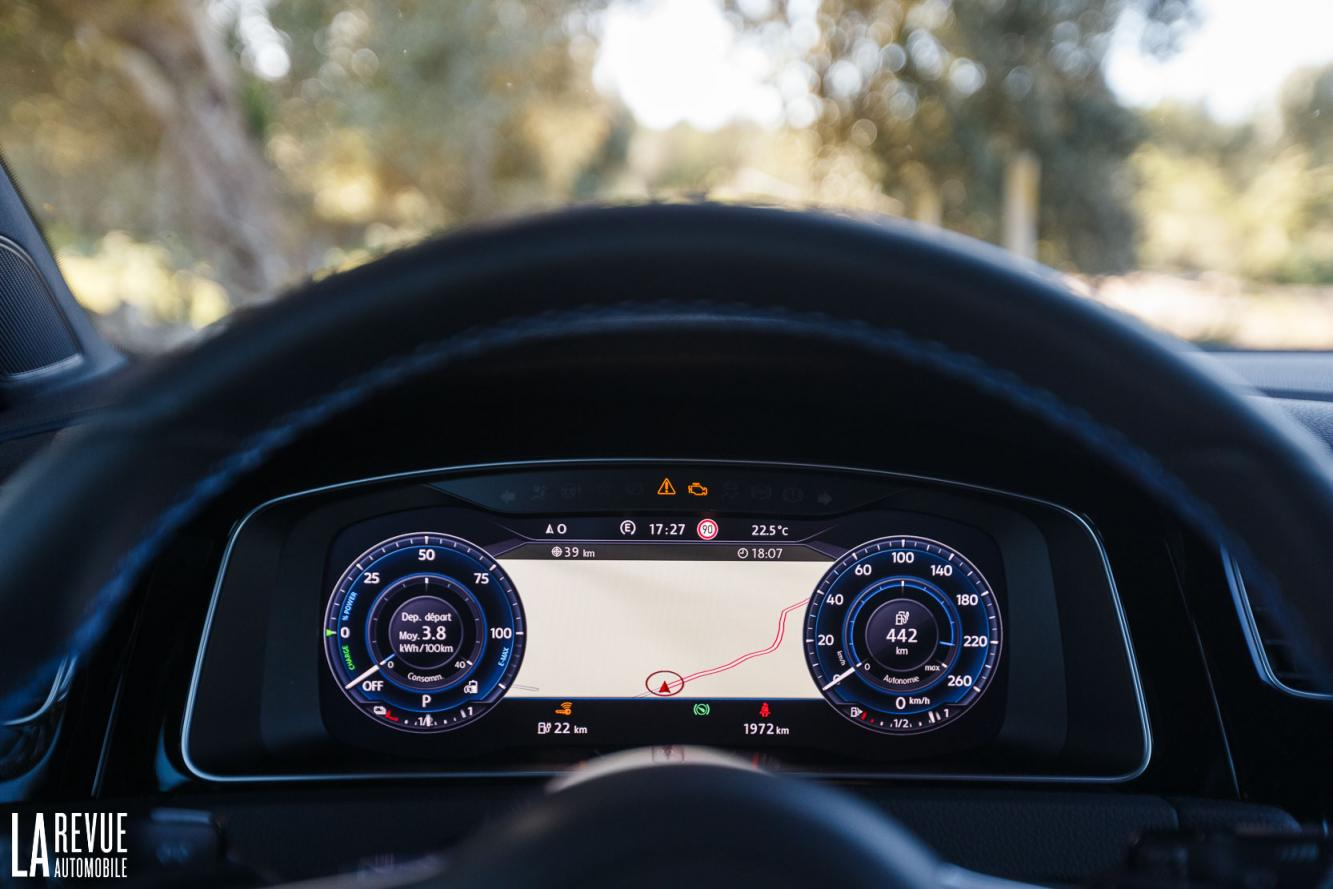 Interieur_Volkswagen-Golf-7-GTE_36