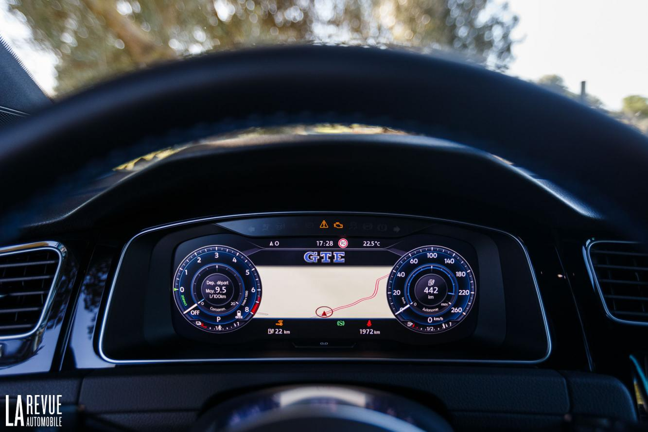 Interieur_Volkswagen-Golf-7-GTE_47