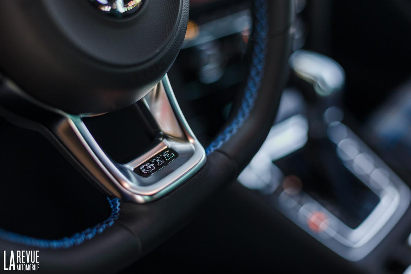 Interieur_Volkswagen-Golf-7-GTE_43