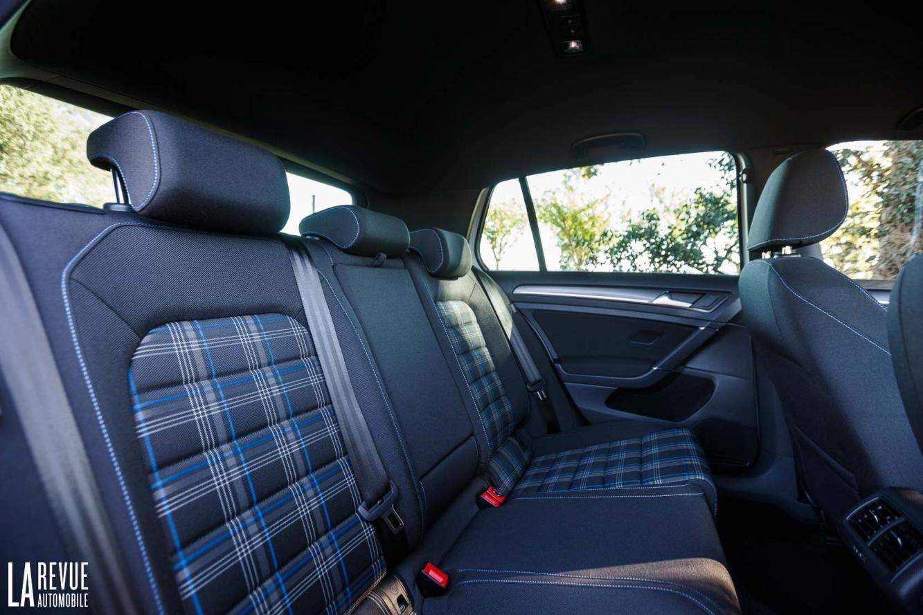 Interieur_Volkswagen-Golf-7-GTE_50