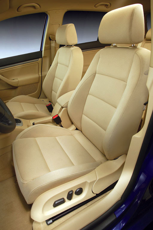 Interieur_Volkswagen-Golf_43
