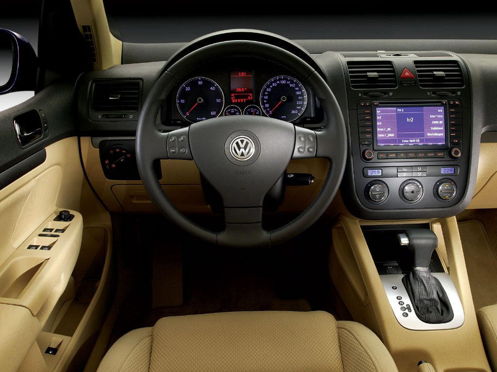 Interieur_Volkswagen-Golf_60