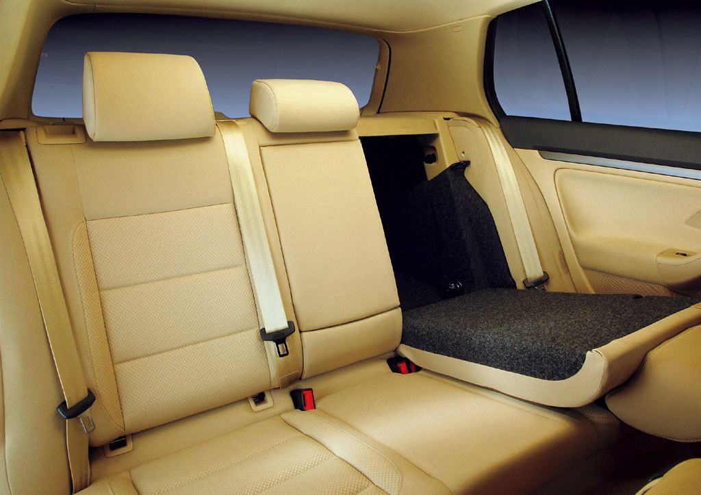 Interieur_Volkswagen-Golf_38