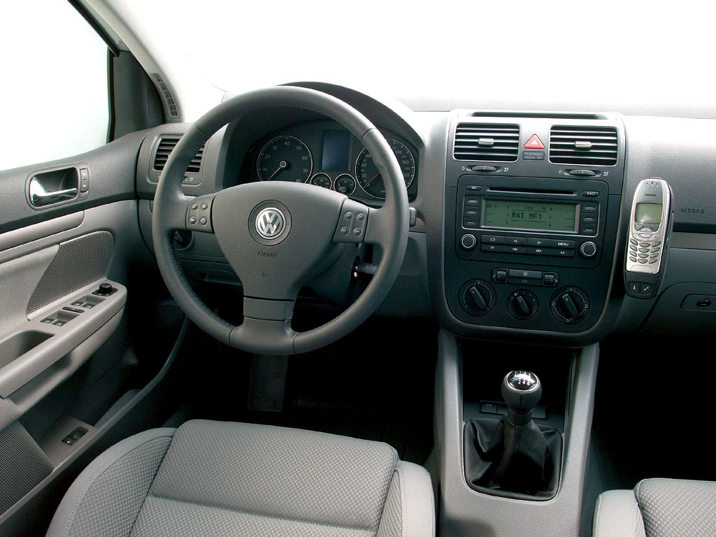 Interieur_Volkswagen-Golf_44