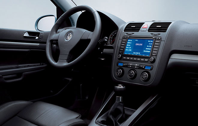 Interieur_Volkswagen-Golf_56