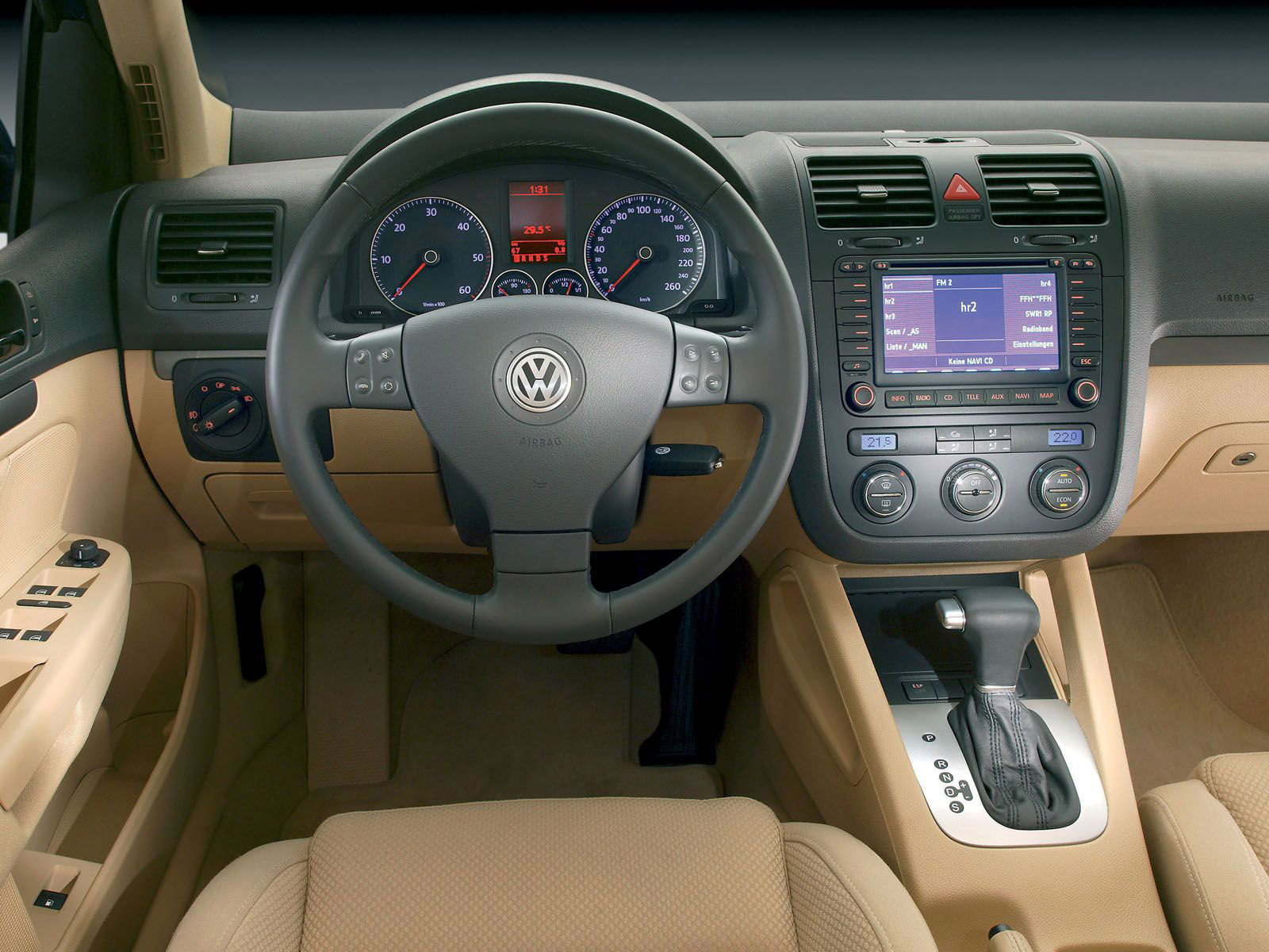 Interieur_Volkswagen-Golf_46