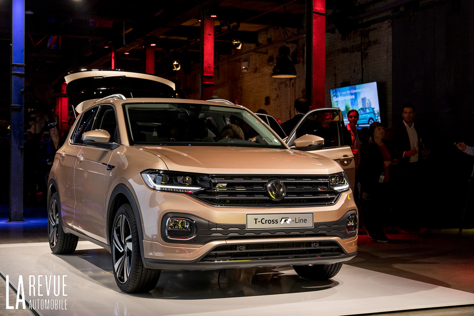 Exterieur_Volkswagen-T-Cross-Reveal_11