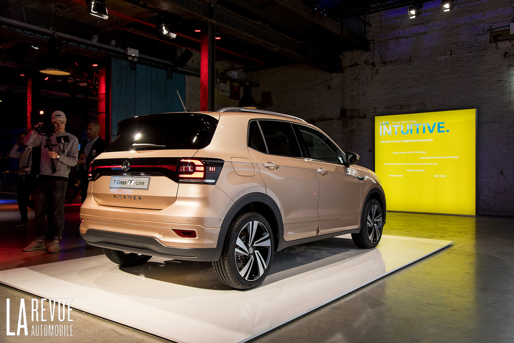 Exterieur_Volkswagen-T-Cross-Reveal_2