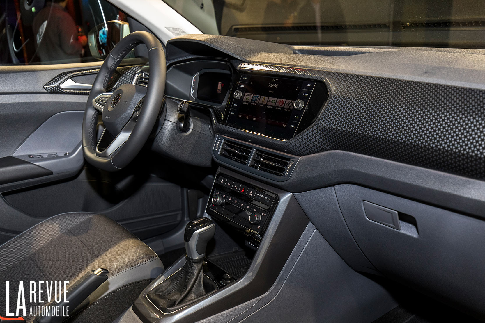 Interieur_Volkswagen-T-Cross-Reveal_21