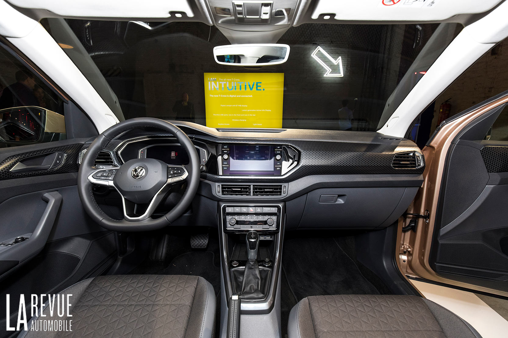 Interieur_Volkswagen-T-Cross-Reveal_23