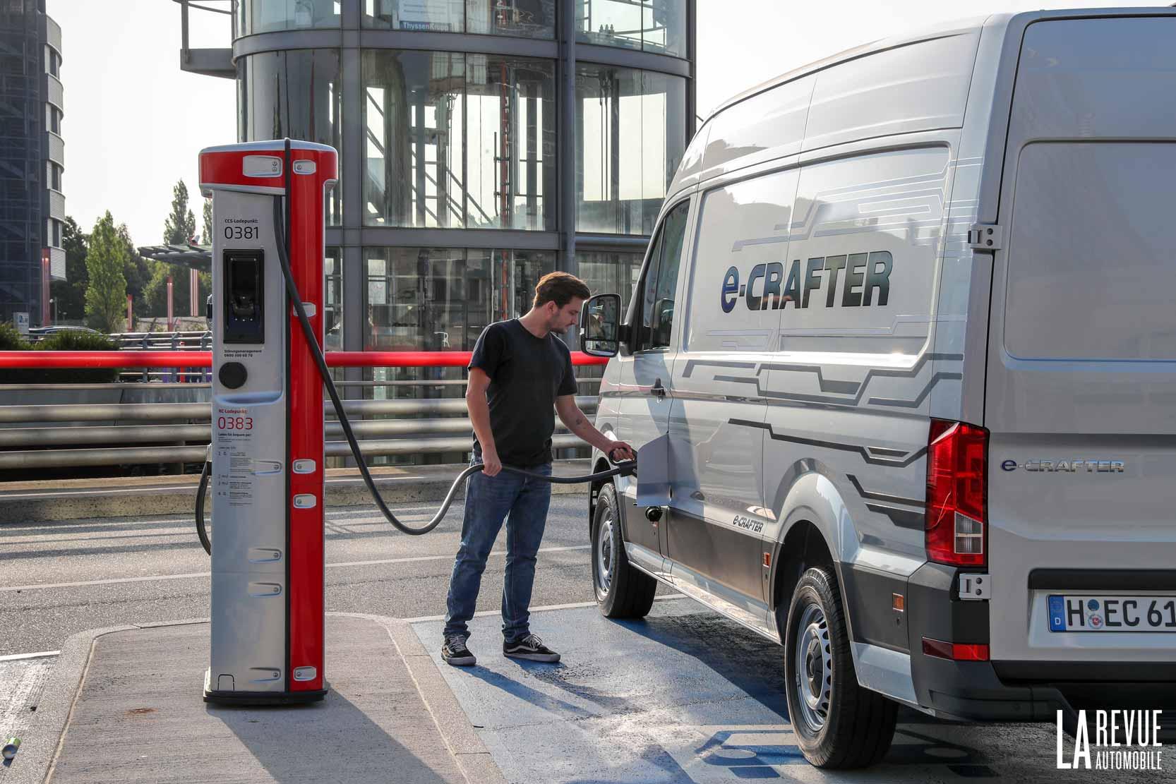 avec le VW e-Crafter, on ne passe plus à la pompe, mais à la Wall Box électrique